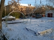 Екатеринбург, пер. Угловой, 4: детская площадка возле дома