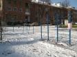 Екатеринбург, ул. Альпинистов, 2: спортивная площадка возле дома